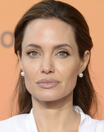 Angelina Jolie wearing real pearl earrings