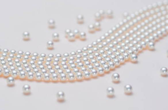 strings of akoya pearls