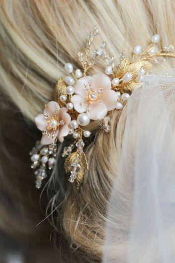 wedding hair pearl accessories