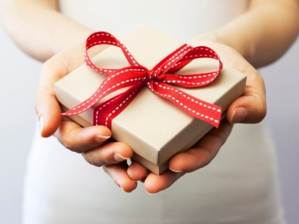 gift giving etiquette around the world