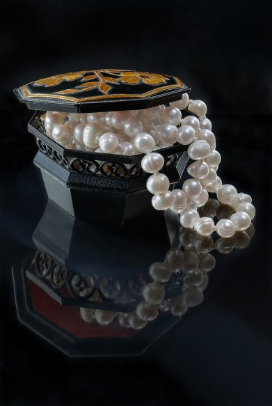 Freshwater Pearls Buying Guide: Choosing the Perfect jewelry
