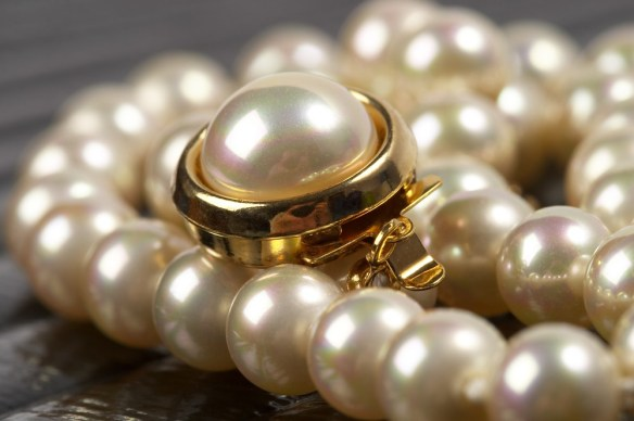 white south sea pearl ring