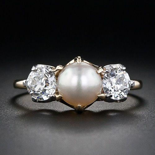 Antiker Ehering mit mittelgroßen Perlen