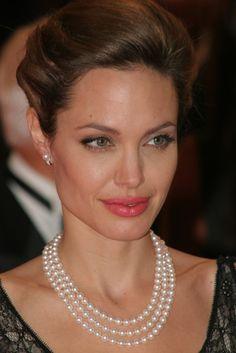 wearing pearls like a celebrity part ii pearlsonly