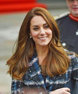Kate Middleton trägt Perlen