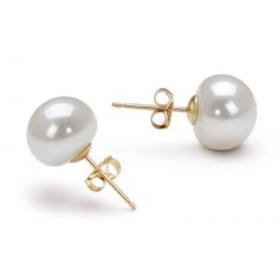 whiite pearl earrings for fall outfits