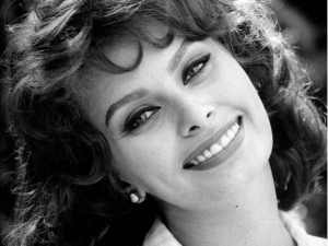 sophia loren black pearl earrings