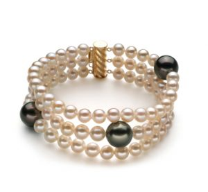 Drei Strang Perlenarmband