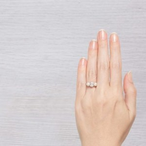 finger with pearl with pearl ring