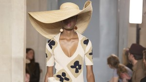 fashion trends in 2019 oversized hats