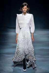 tight pleats fashion trends
