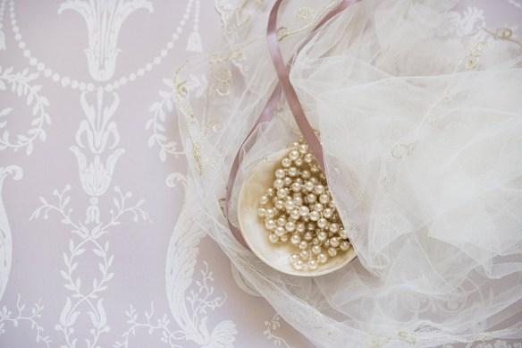 wedding guests pearls