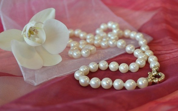 pearls for wedding guests
