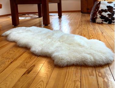 tapis en peau de mouton peaudevache com