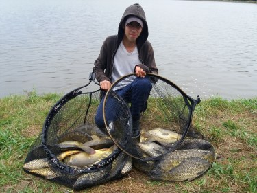 Colonies stages pêche carpe pour adolescents