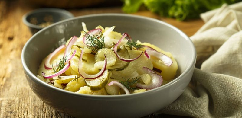 Cibuľovo-octový zemiakový šalát