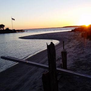 Oct. 6, 6:15 p.m., Kimogenor Point, New Suffolk
