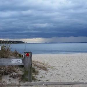 Oct. 26, 3:35 p.m., New Suffolk Beach