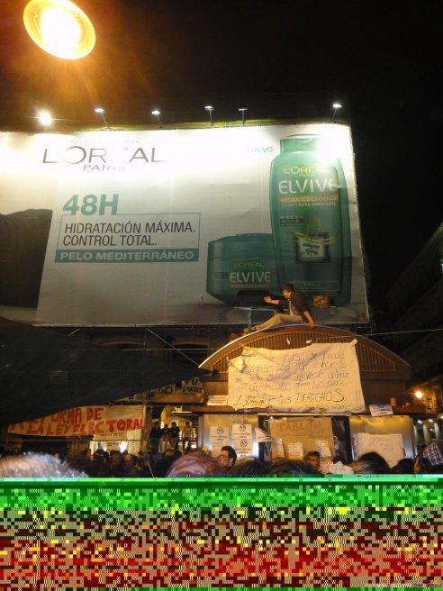 foto de manifestacion en madrid 15m que se ha jodido d - Reflexiones con soluciones a la crisis...