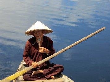 VIETNAM-Hoian río