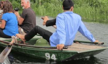 Vietnam-Bahia seca remero con pies
