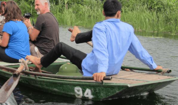 Vietnam Bahia seca remero con pies
