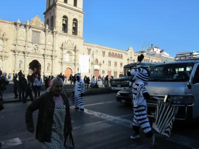 BOLIVIA La Paz paso de cebras