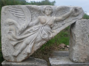 TURQUIA Esmirna Efesos Atenea Nike