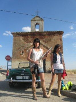 Mónica Y Laura Equiz 13
