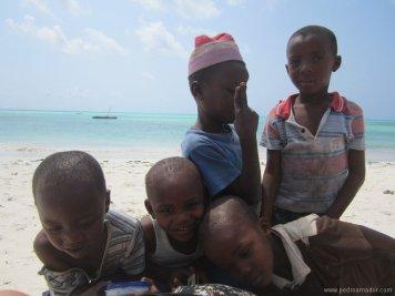 TANZANIA Jambiani niños resize
