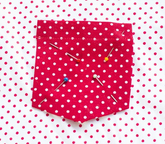 How to sew a patch pocket - Tutorial by Pienkel for Peek-a-Boo Pages11