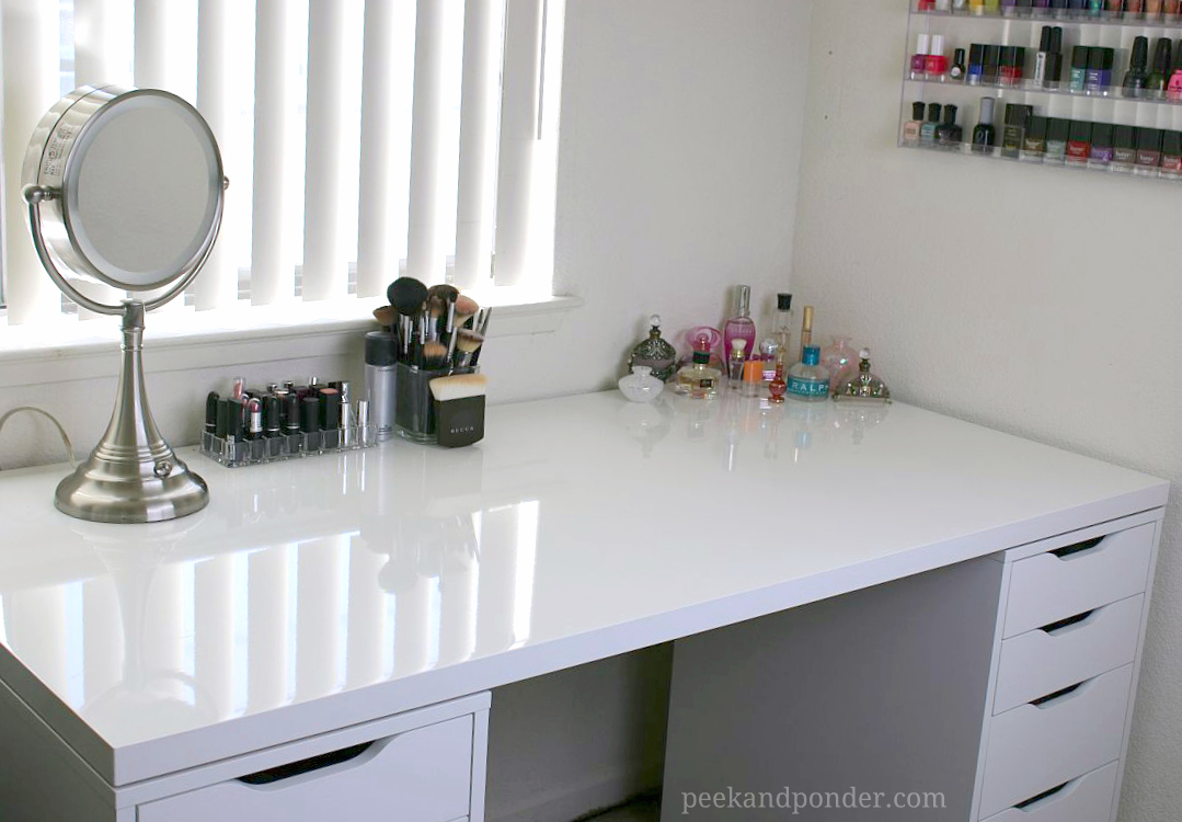 Merveilleux Makeup Storage And Desk