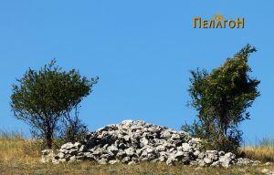 Остатоци од разновидни градби има на многу места околу селото Бешиште