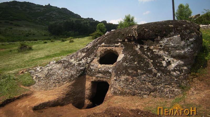 Истражената и очистена гробница - од исток