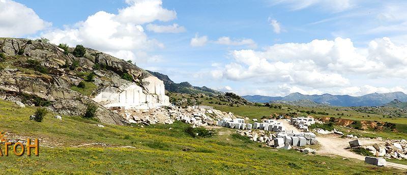 """Расечениот дел од централната карпа на """"Самовилец"""""""