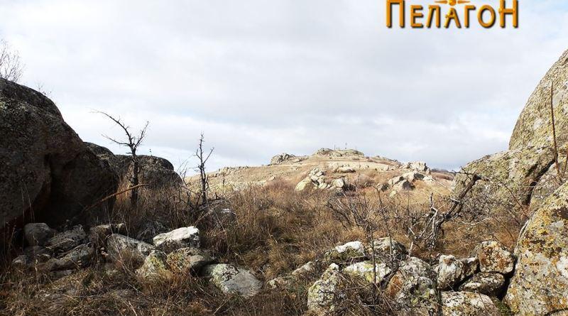 Остаток од ѕид на јужниот раб на платото