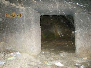 Гробница бр. 1 - влезот во комората
