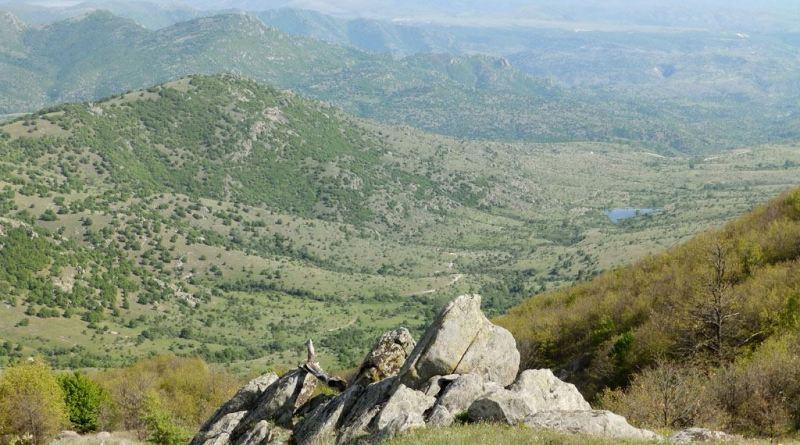 Поглед кон атарите на Дуње и Вепрчани - местото на битката и загинувањето на Никола Пешков