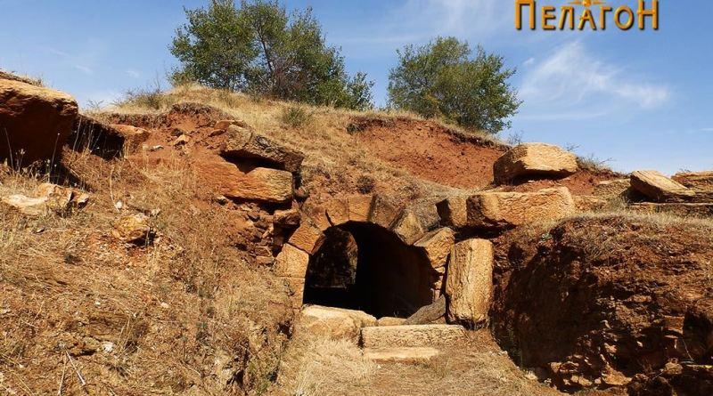 """Кралската гробница од л. """"Павла Чука"""""""