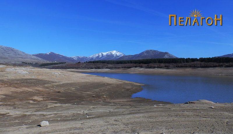 Дел од површината на езерото која ја покрива водената маса - западен дел