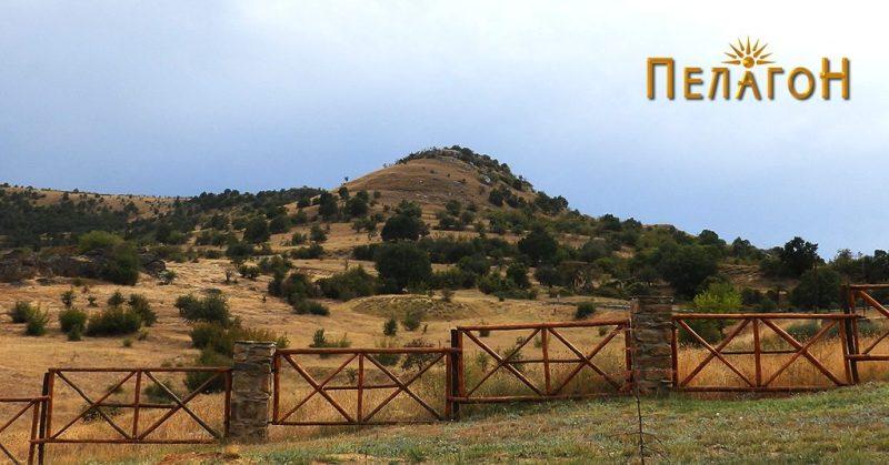 """""""Лаштигерот"""" - праисториска населба со утврдување - од север 5"""