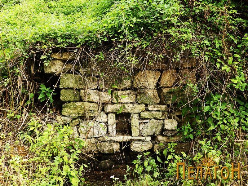 Старата чешма кај кладенецот 2