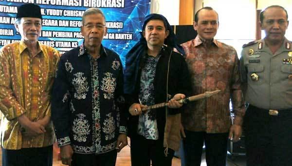 Menteri Yuddy Chrisnandi Sarankan Gubernur Banten Lakukan Rombak Birokrasi Secara Terbuka