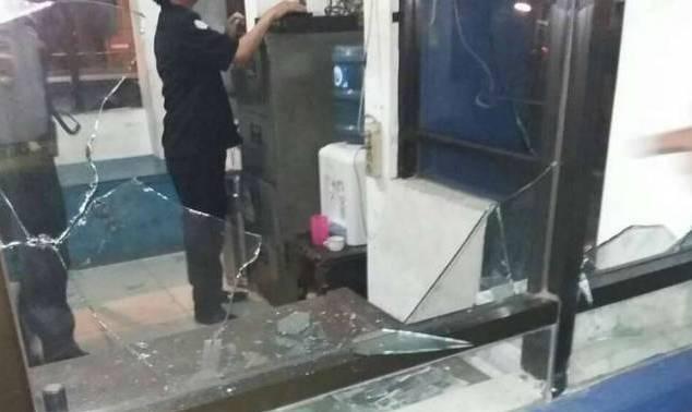 Kantor Dishub Kota Tangerang Dirusak Pemuda Bersenjata Tajam