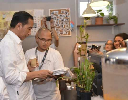 Presiden Jokowi Puji Anak Muda Kembangkan Brand Lokal