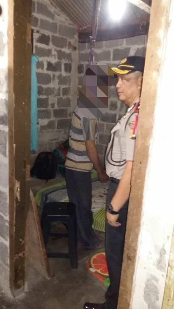 Suami Penjual Sosis Goreng Tewas Gantung Diri di Cipadu