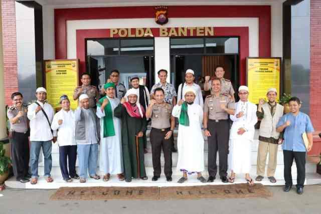 Terkait Isu Penodaan Agama, Ulama Banten Kunjungi Mapolda Banten Deklarasikan Anti Hoax