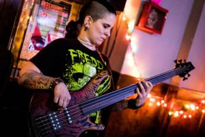 Lida Toniolo - Bass Player of Pellagra