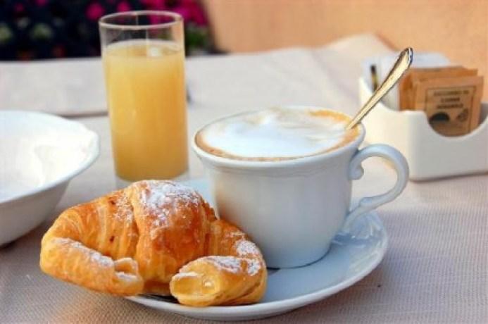 bar-centrale-pellizzano-colazione