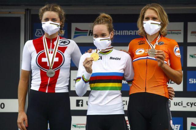 Anna van der Breggen vence Mundial Contra o Relógio